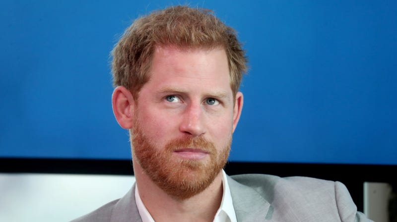 Illustration for article titled Prince Harry Swears His Family Flies Commercial