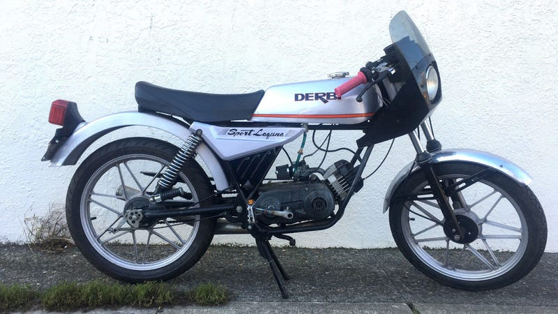 Illustration for article titled This Derbi Laguna Sport Will Ignite The Spirit Of Moped Within You