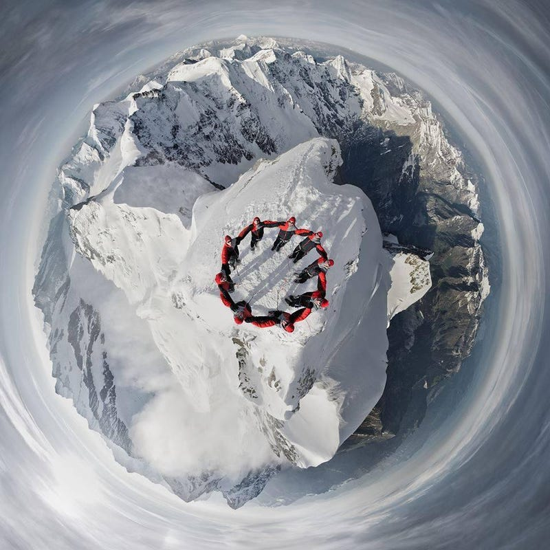 Illustration for article titled Amazing aerial view from the top of the Swiss Alps