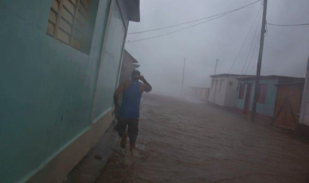 Hurricane Matthew Triggers Large-Scale Evacuations on the East Coast