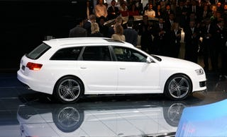 Illustration for article titled Frankfurt Auto Show: Audi RS6 Avant in White