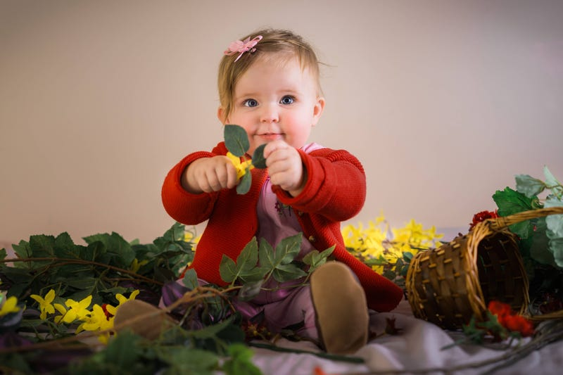 Baby Hana Aeris tries to sell us her flowers