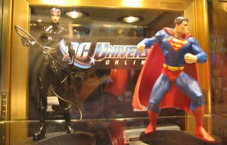 Illustration for article titled Dante's Inferno & DC Universe Online: The Toys