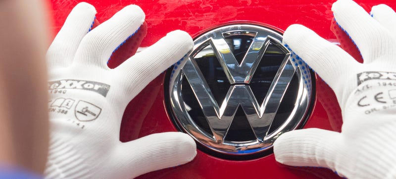 Illustration for article titled Volkswagen Tells Dealers To Halt Sales Of New TDI Cars Amid Diesel Cheating Scandal