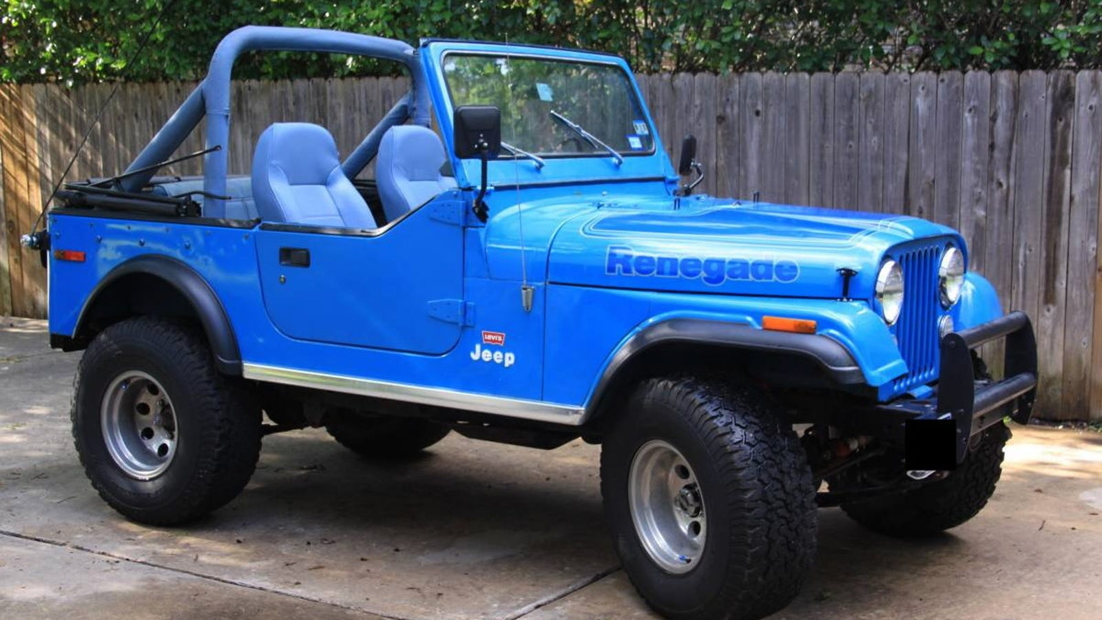 at 9 500 could this 1976 jeep cj7 levi s edition be. Black Bedroom Furniture Sets. Home Design Ideas