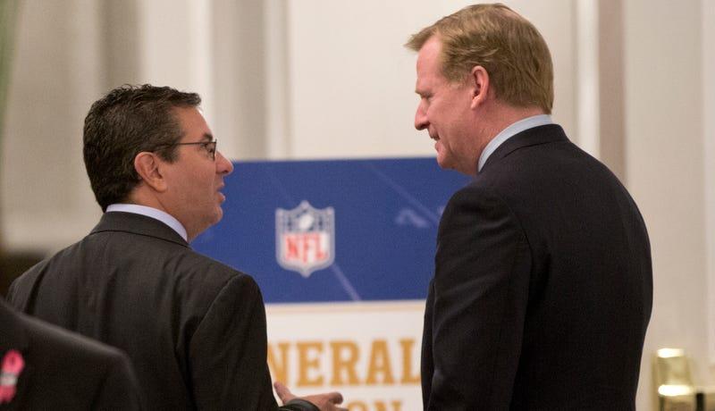 Illustration for article titled 50 Senators Call On NFL To Change Redskins' Name