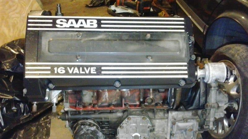 Illustration for article titled Saab Engine Reassembly Mini-Photodump