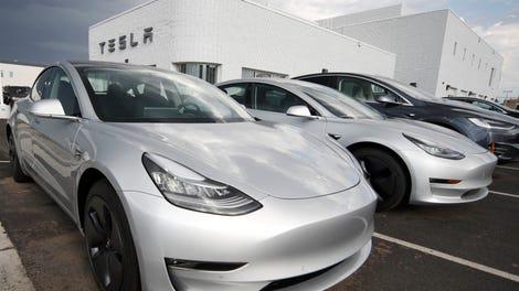 Tesla Autopilot Malfunction Caused Crash That Killed Apple