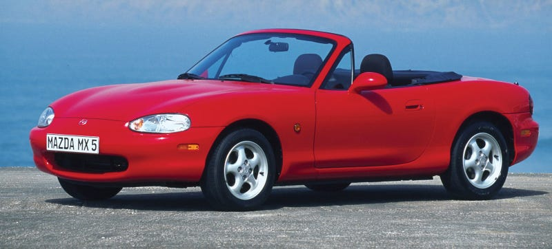 Illustration for article titled How Easy Are NB Miatas To Wrench On Yourself?