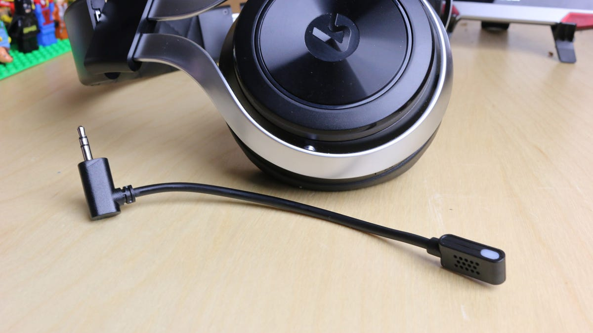 LucidSound LS30 Wireless Gaming Headset Review: Oddly Elegant