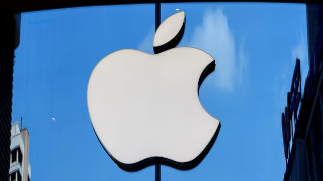 Apple Is Said to Be Maintaining Mask Requirements in Its Stores Despite Recent CDC Guidance