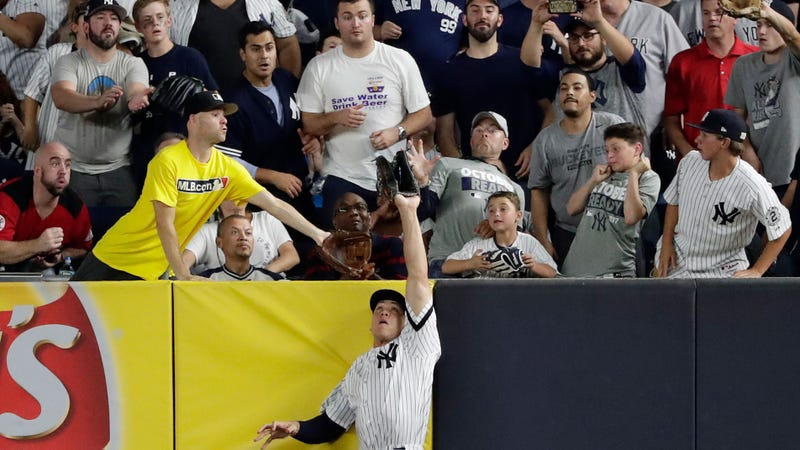 Aaron Judge Robs Francisco Lindor of Go-Ahead Home Run