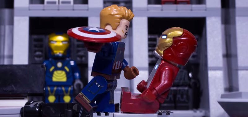 Illustration for article titled Lego Iron Man and Captain America Have an Action-Packed Civil War Showdown