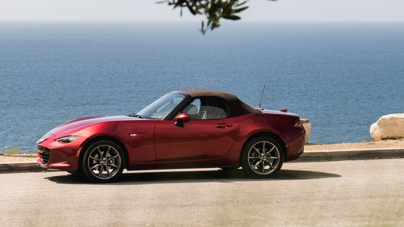 Illustration for article titled The 2019 Mazda Miata Adds the Big Horsepower Bump For Just $435 More