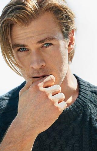 Illustration for article titled Chris Hemsworth Has Brad-Pitt-Hair