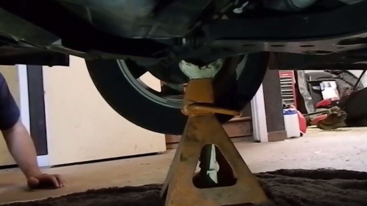 How to change your cars oil solutioingenieria Choice Image