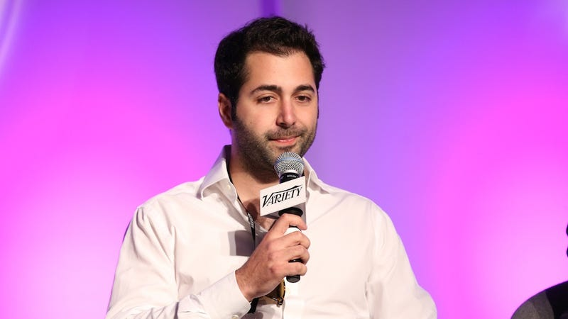 Illustration for article titled 'Female Friendly' Dating App Tinder Exec Faces Sexual Harassment Suit