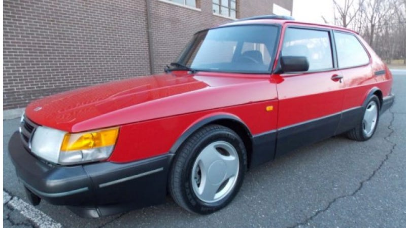 Illustration for article titled This Museum-Grade Saab 900 SPG Is For Sale, So Bring Lots Of Cash