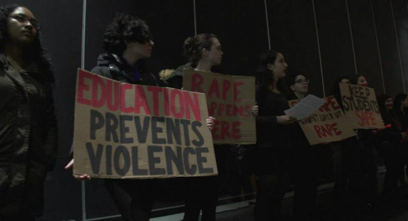 Illustration for article titled Anti-Rape Activists Crash Columbia University Admissions Session