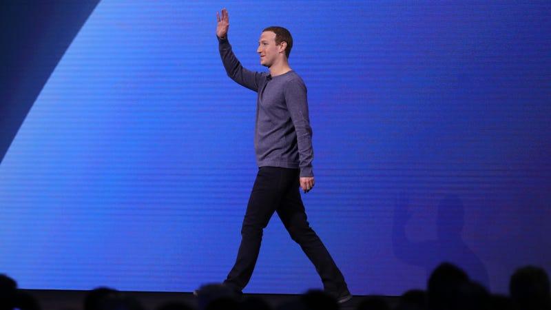 Facebook CEO Mark Zuckerberg walking south.