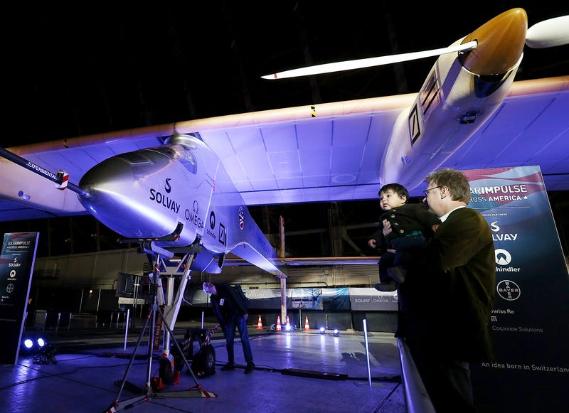 Illustration for article titled El avión Solar Impulse viajará de costa a costa en EE.UU. antes de dar la vuelta al mundo