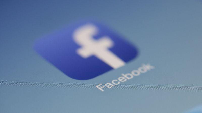 Illustration for article titled No caigas en el último engaño de Facebook, puedes perder todos tus contactos