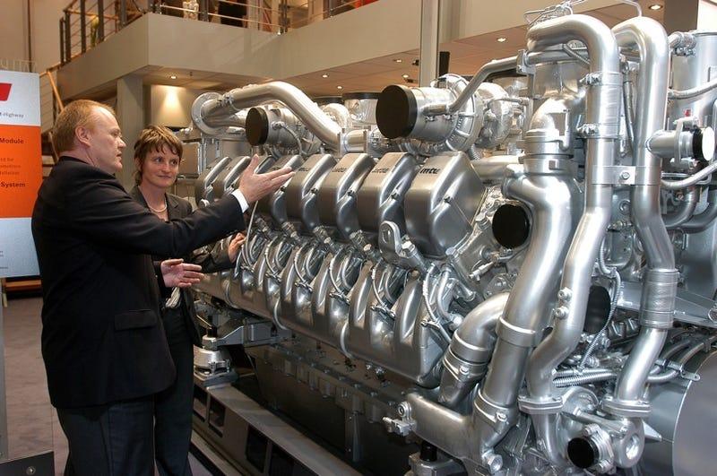 MTU Series 4000 Engine    As In 4000 HP!