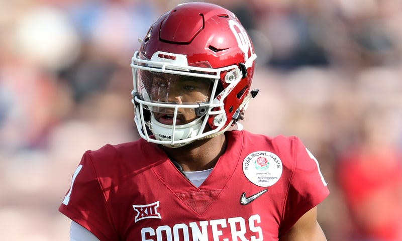 Illustration for article titled Dual-Sport Athlete Kyler Murray Wants To Gamble On One More Year Of College Football