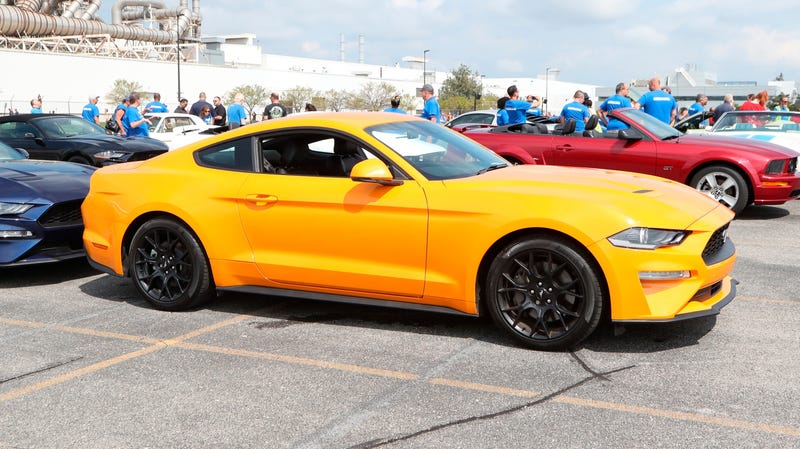 Illustration for article titled Help Us Figure Out What's Causing This Strange 'Typewriter Tick' in the New Ford Mustang Engines