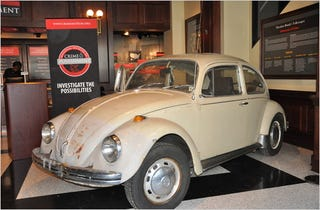 Illustration for article titled Ted Bundy's VW Beetle On Display In Creepy Museum