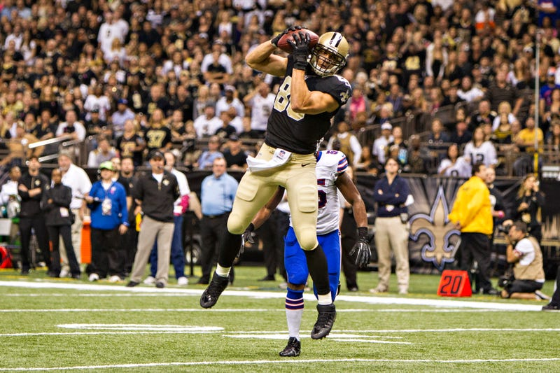 Illustration for article titled Jimmy Graham's Twitter Proves He's A Tight End, Claims NFL