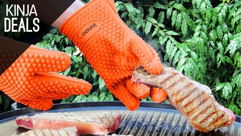 Illustration for article titled These $9 Silicone Gloves Give You Cooking Superpowers [Sold Out]