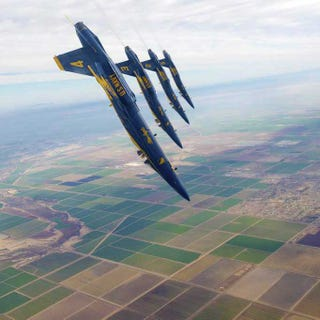 Illustration for article titled Just the Blue Angels doing their awesomeness
