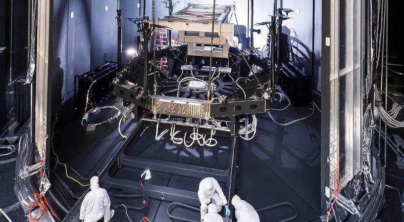 Illustration for article titled Esta es la cámara donde se probará el telescopio más potente del mundo