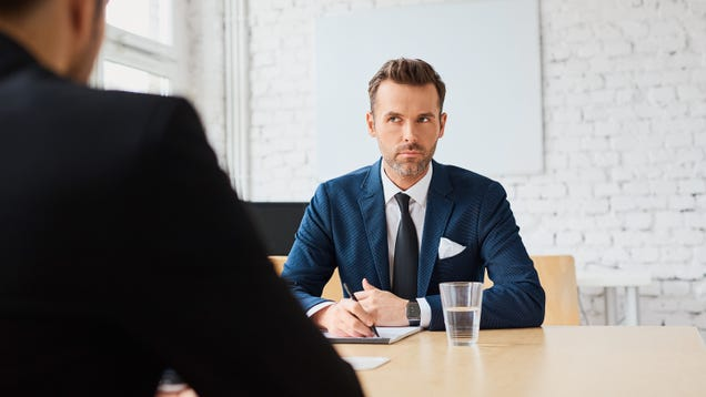 When to Walk Out of a Job Interview Early