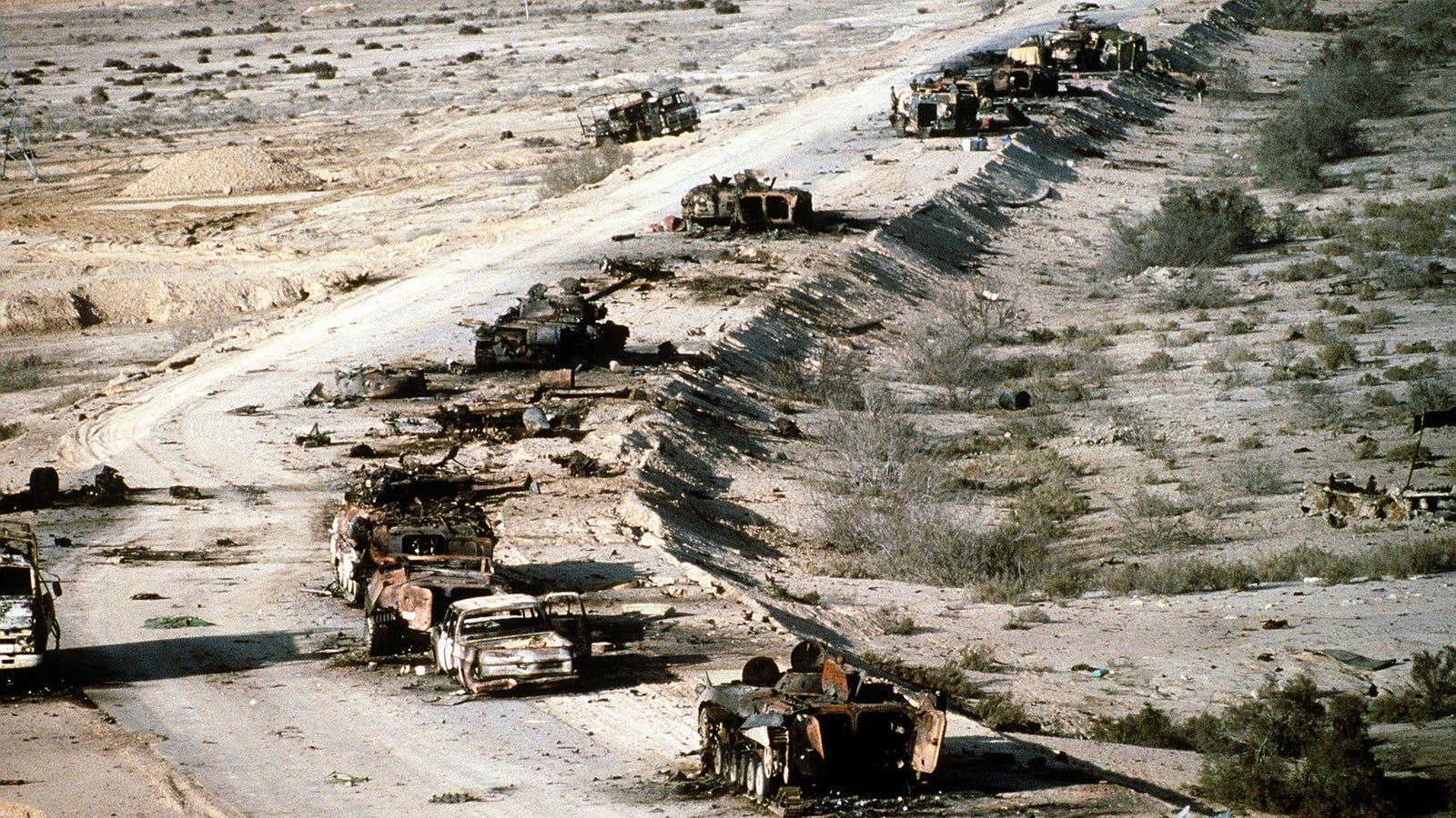 Aunque parezca un escenario de Mad Max, lo que ocurrió en la Autopista de la Muerte fue real y mucho peor
