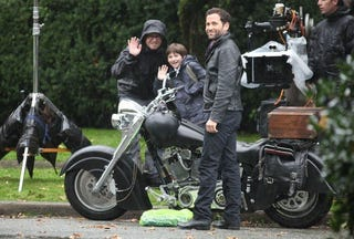 Illustration for article titled Once Upon a Time Set Photos