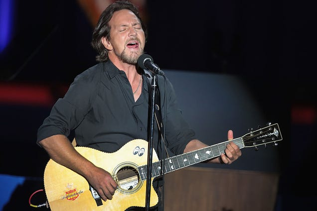 Eddie Vedder Performs New Song