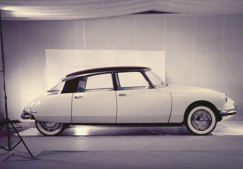 """Illustration for article titled Classic & Sports Car Magazine Names Citroën DS """"Most Beautiful Car Of All Time"""""""