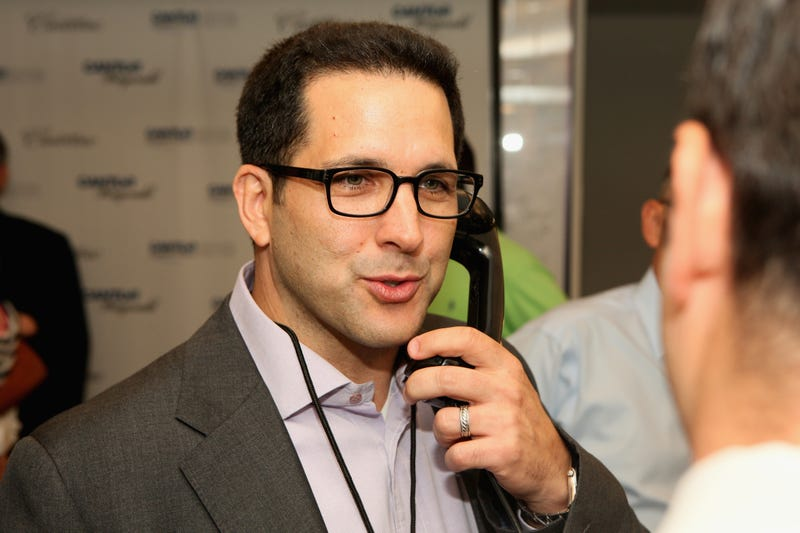Illustration for article titled Adam Schefter Explains Why He Posted Jason Pierre-Paul's Medical Records