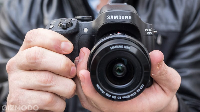 Illustration for article titled Samsung NX30: Can Sammy's Mirrorless Shooters Catch On?