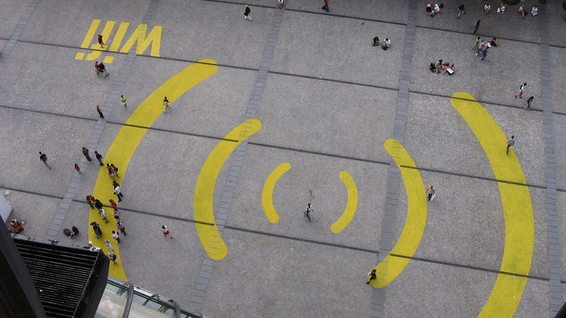 Illustration for article titled Can the FCC Create Public Super Wi-Fi Networks?
