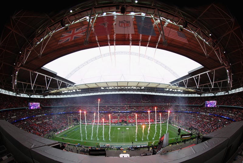 Illustration for article titled Dolphins, Chiefs Agree To London Games In Hopes Of Hosting Super Bowl