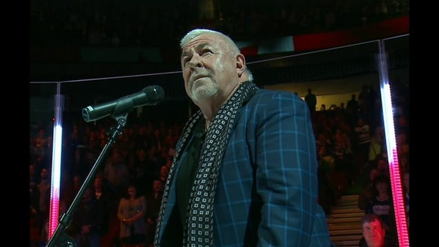 Canucks Fans Bail Out Anthem Singer After His Mic Cuts Out