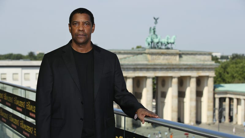 Actor Denzel Washington poses for a photo during the photo call for 'The Equalizer 2' on August 8, 2018 in Berlin, Germany.