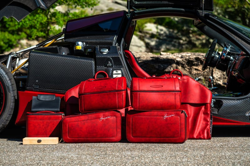 Illustration for article titled Pagani luggage set