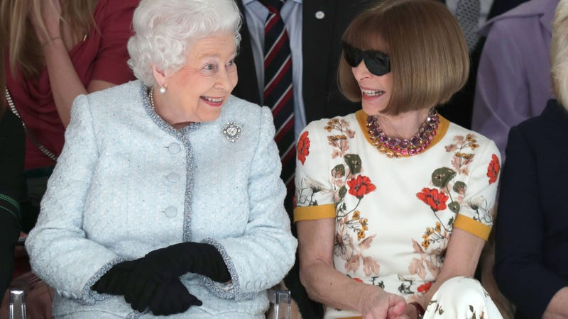 Illustration for article titled Frankly Speaking, the Queen Doesn't Give a Fuck About Repeating Outfits