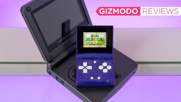 My Eyes Hate Me for Loving This Impossibly Tiny Game Boy Clone