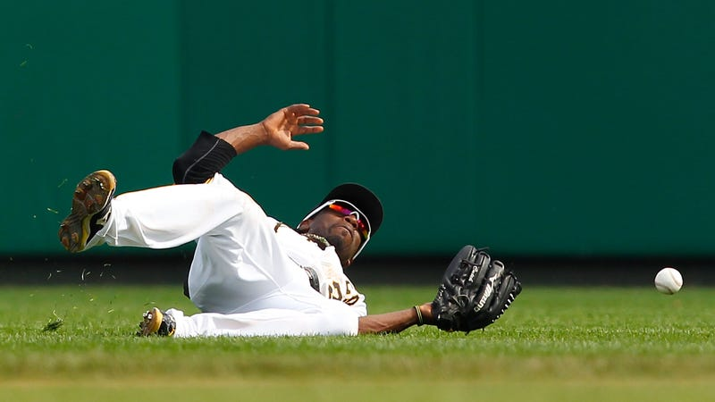 Pirates moving star McCutchen to right field