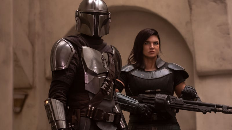 The Mandalorian and Cara Dune prepare for the final showdown of season one.